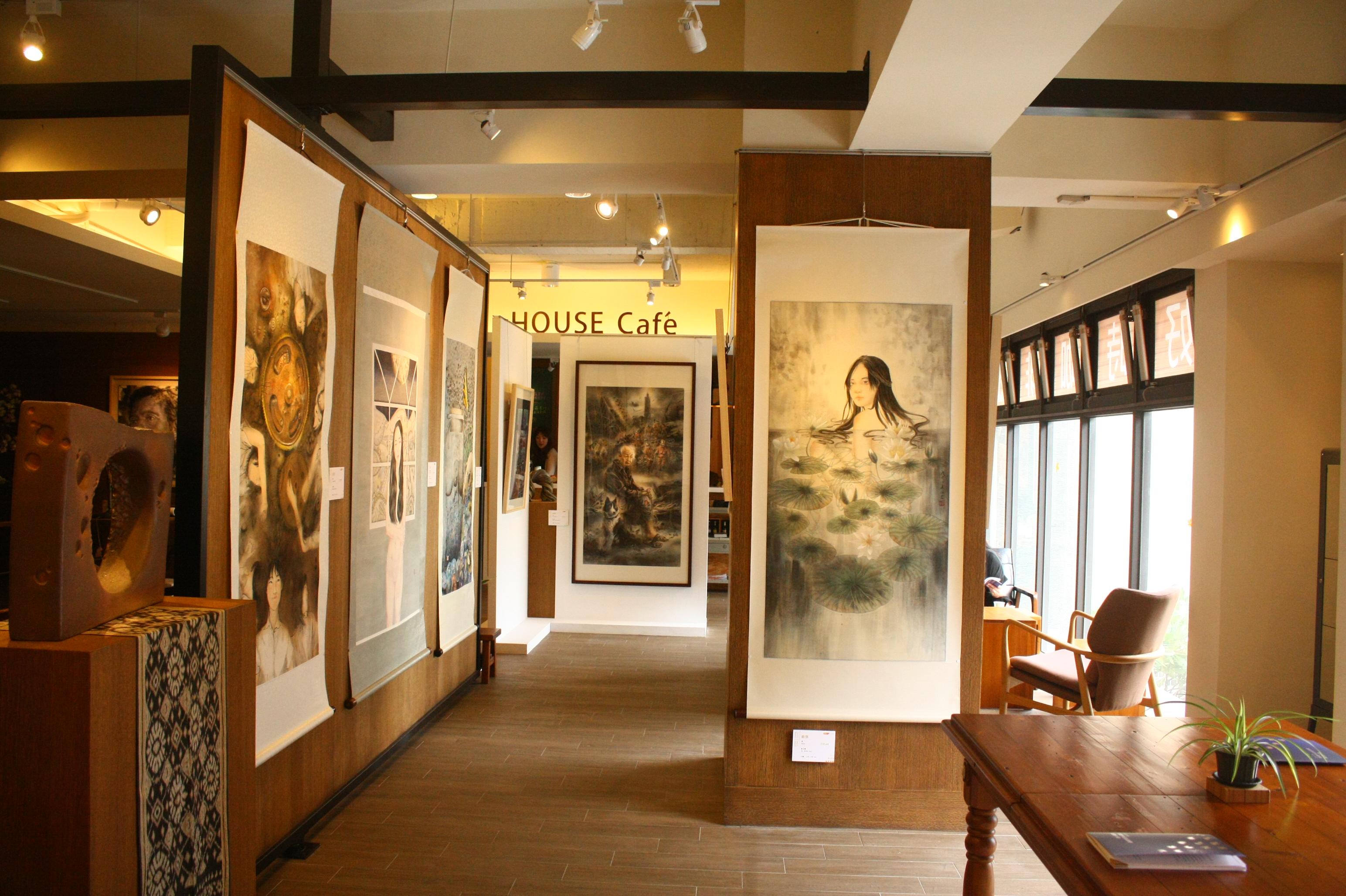 首次於藝廊空間展覽,於新竹藤藝廊展出情形.JPG