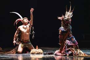 排灣族的傳統祭儀和生命觀念,帶入現代劇場的觀眾視線及心靈中。米靈岸《石板屋下的葬禮》劇照「儀式五:Vuvu(奶奶)的不捨」.jpg