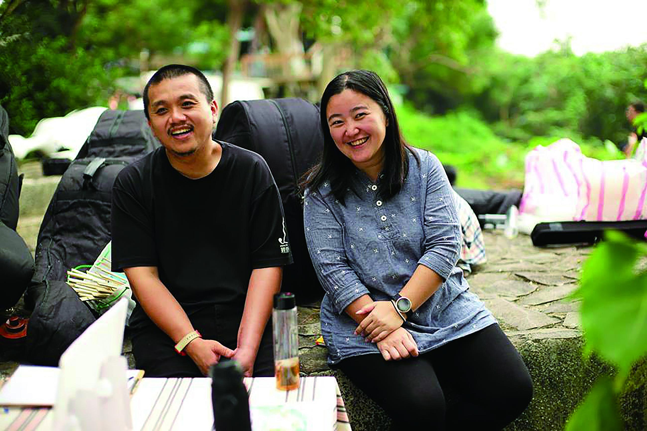 王子建(左)與陳珮雯夫妻檔是親愛愛樂的創辦人,也是互相加油打氣的伴侶。.jpg