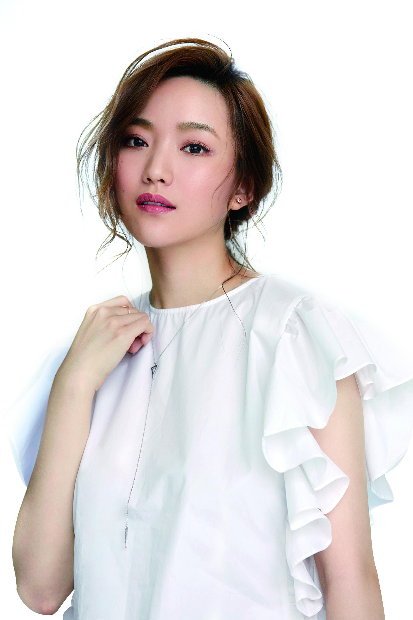 閻奕格是目前流行樂壇不可忽視的實力派美聲歌手。.jpg