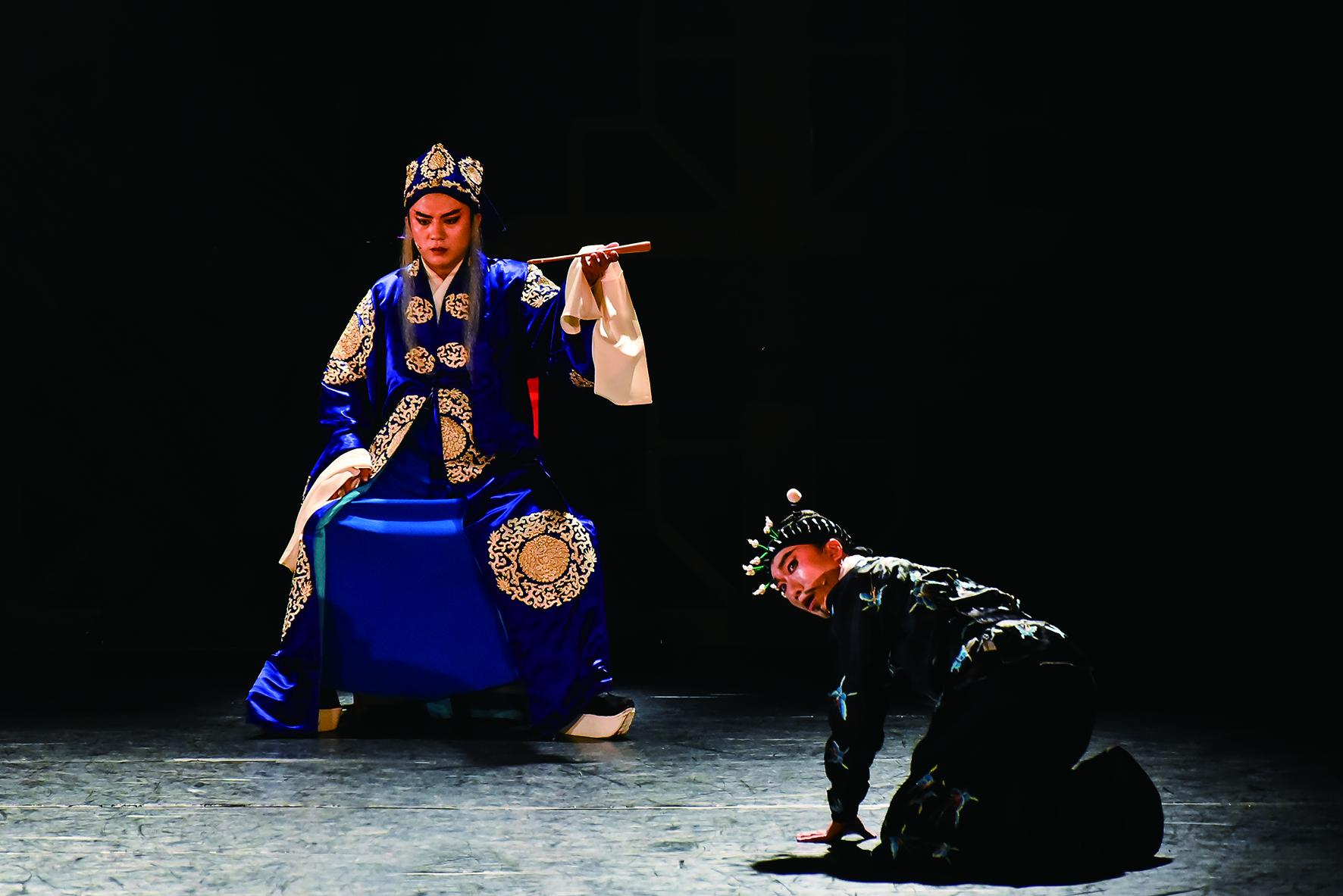 兩人之前沒有交集,因合作歌仔戲《1399趙氏孤兒》同台而結緣。.jpg