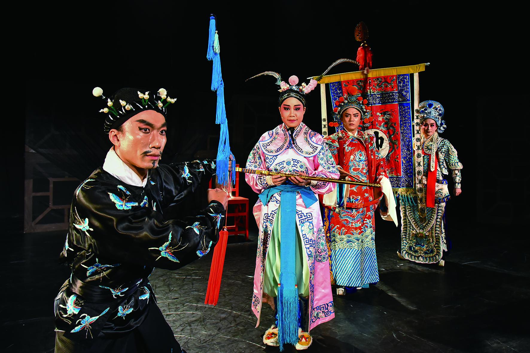 劉冠良(中)與施冬麟(左1)擔綱演出的《1399趙氏孤兒》將於今年5月4日與5日在大稻埕劇苑。.jpg