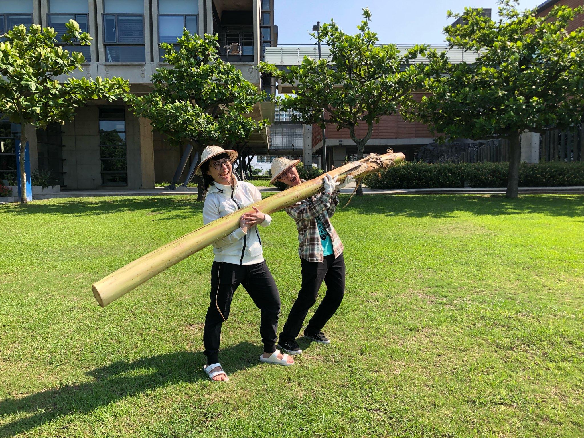 香蕉絲工作坊01--搬運香蕉莖.png
