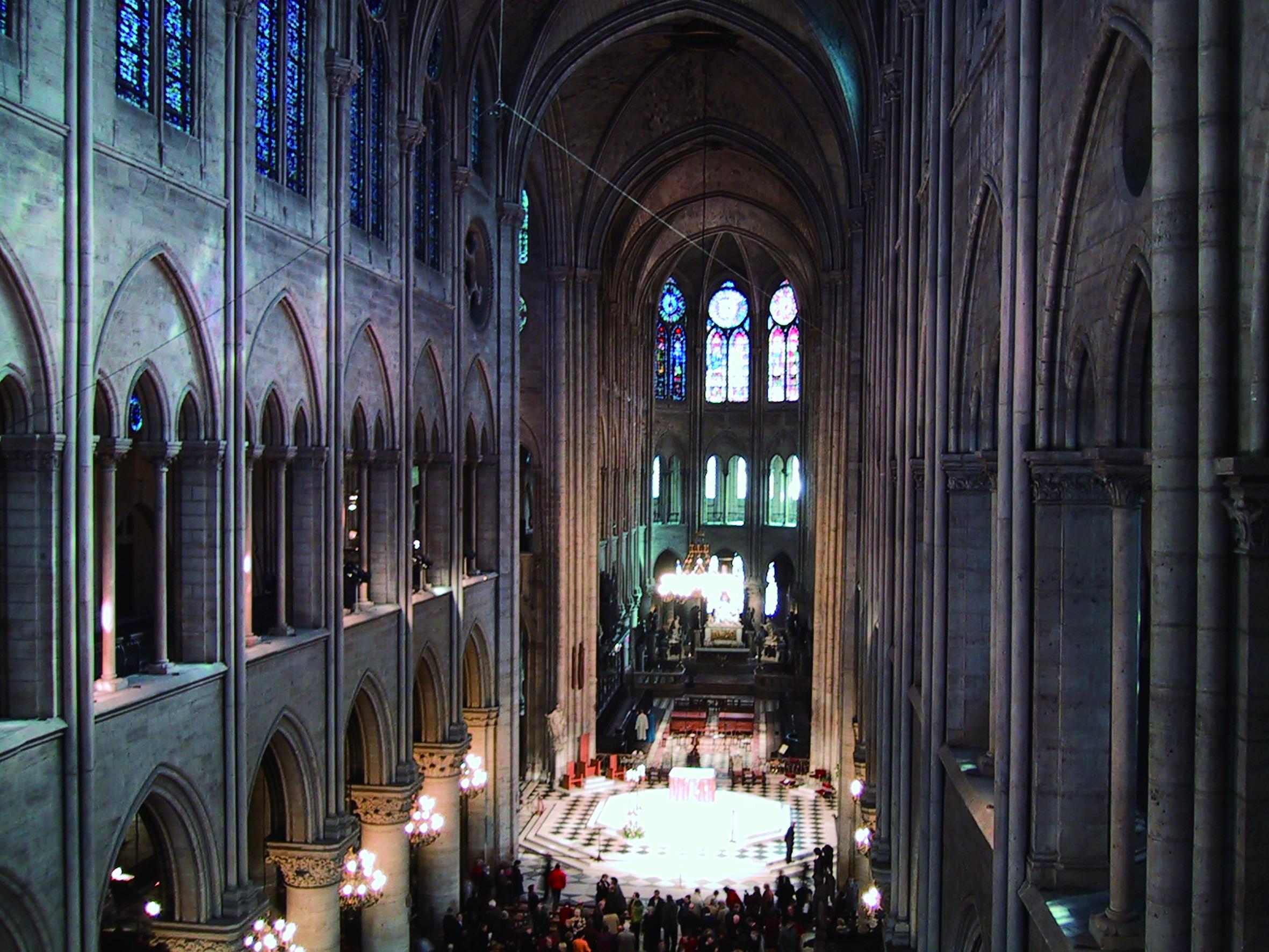 巴黎聖母院彌撒,筆者攝於2000年1月。.JPG