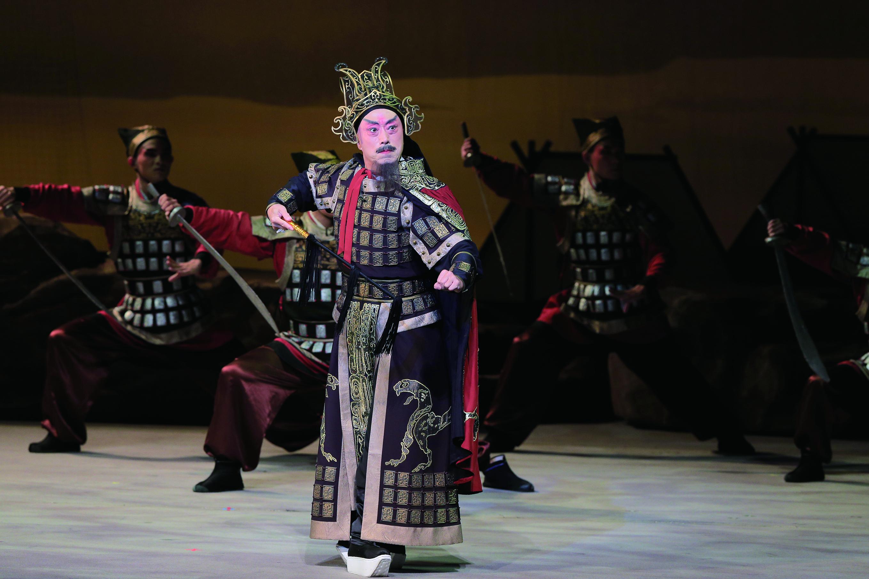 在《項羽和兩個女人》中李寶春透過不同的扮相,來詮釋劇中角色,李銘訓攝影.jpg