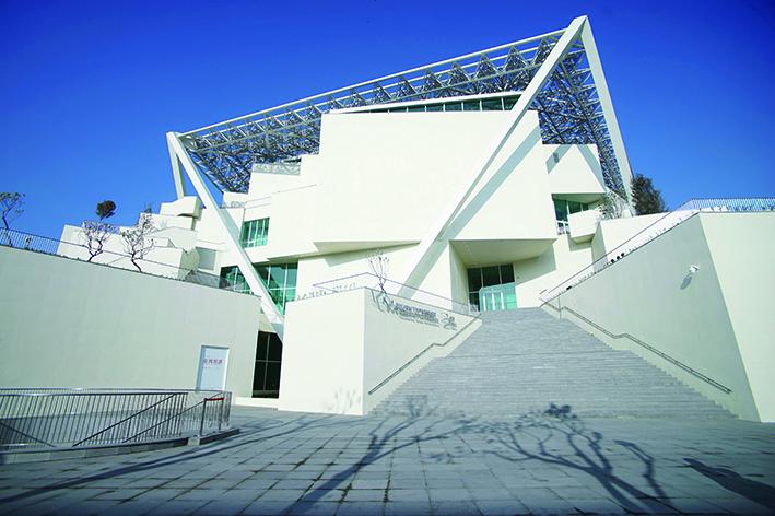 在臺灣最早博物館舊址旁興建的臺南市美術館2館.jpg