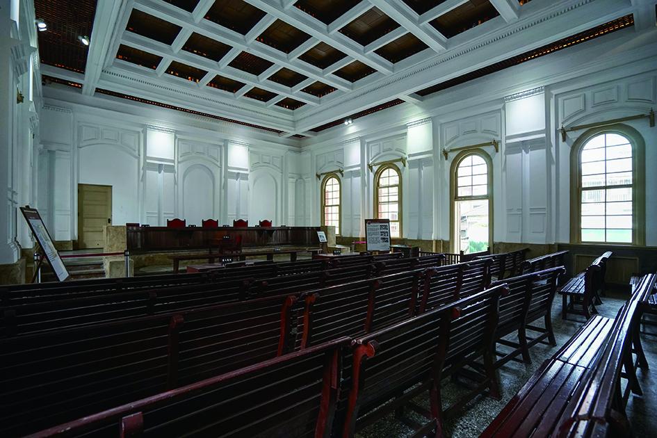 保留早期法庭完整樣貌的司法博物館.jpg