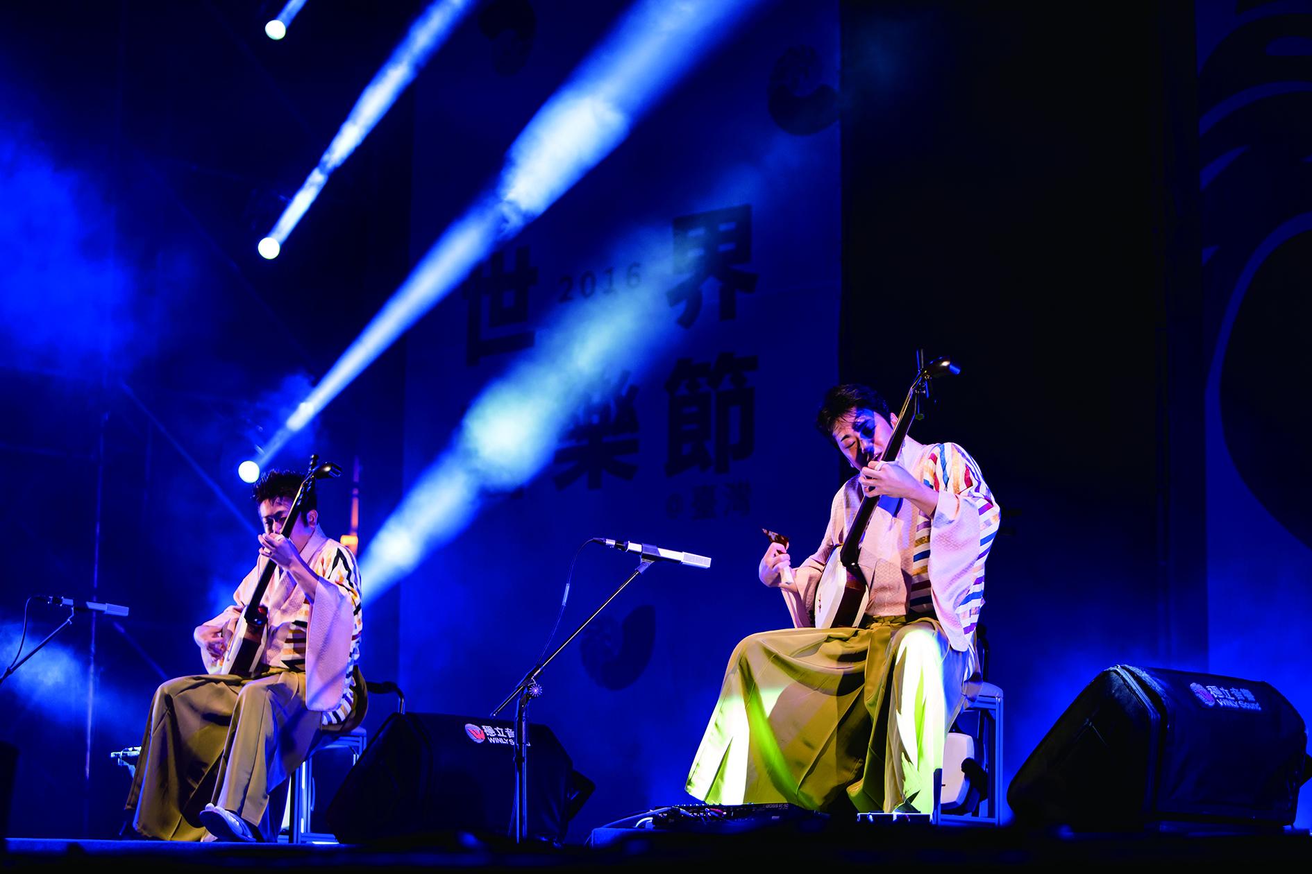 日本吉田兄弟樂團在2016年世界音樂節上的演出。(風潮音樂提供).jpg