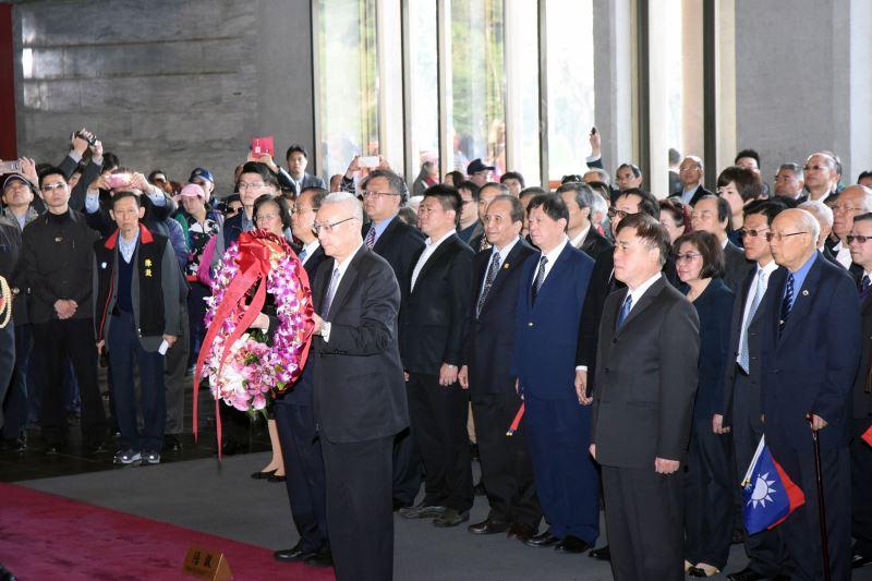 中國國民黨主席暨全體黨員同志代表敬獻