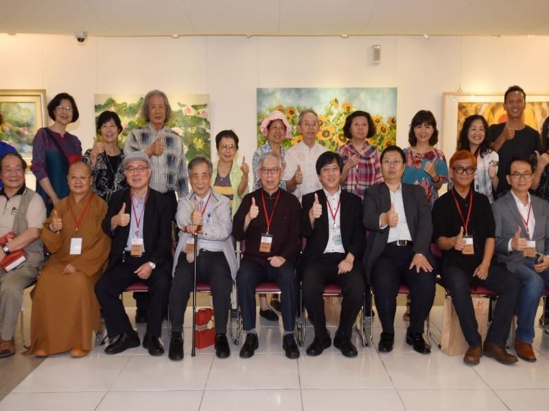 台灣藝壇國寶黃歌川百歲世紀展參加開幕貴賓合影