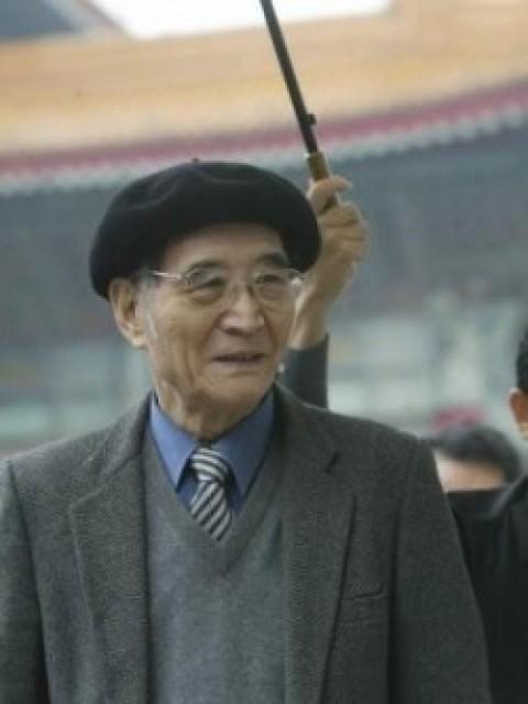 Han Pao-teh, 80, architect and scholar.