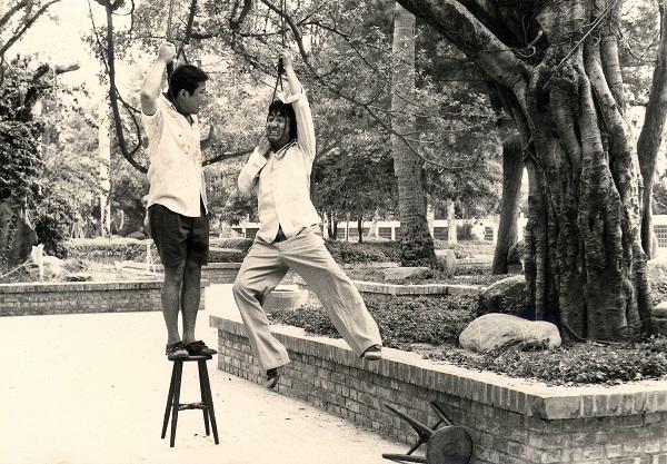 出生於新竹的許不了,被影壇喻為「臺灣的卓別林」。在1979年至1985年間,他共參演六十餘部電影,創造了讓人記憶深刻的「許不了時代」。