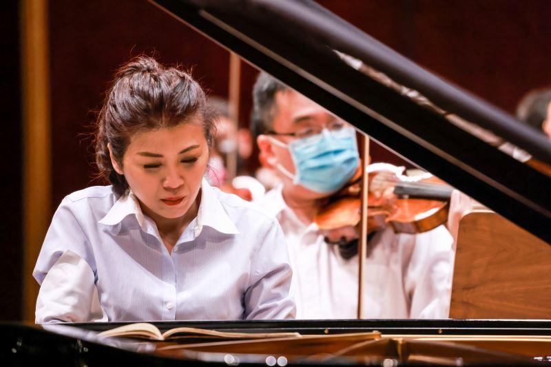 鋼琴家陳毓襄專注、嚴謹、自我要求,隨時準備好自己接受挑戰