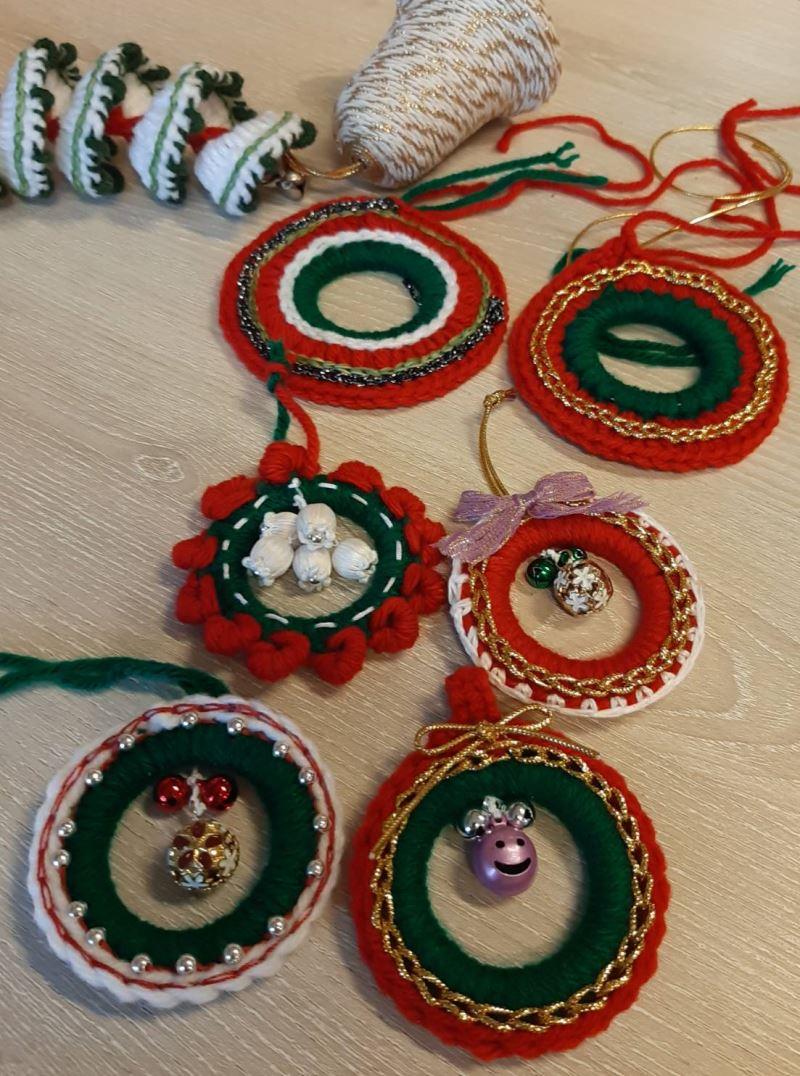 3.各種樣式的聖誕花圈