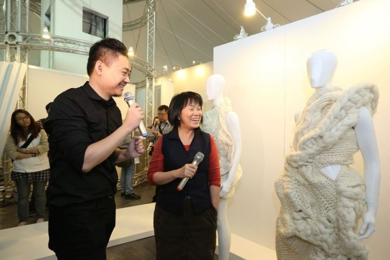 Taiwanese design Johan Ku (left) is known for his signature chunky garments, three-dimensional knitting and free-form silhouettes.