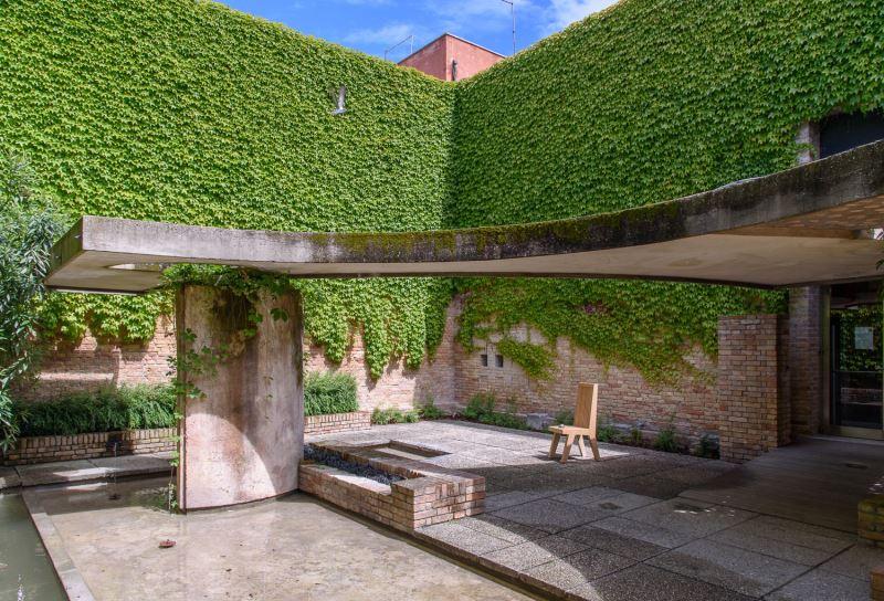 1500px_20170509-Venice-Biennale_0234-1.jpeg