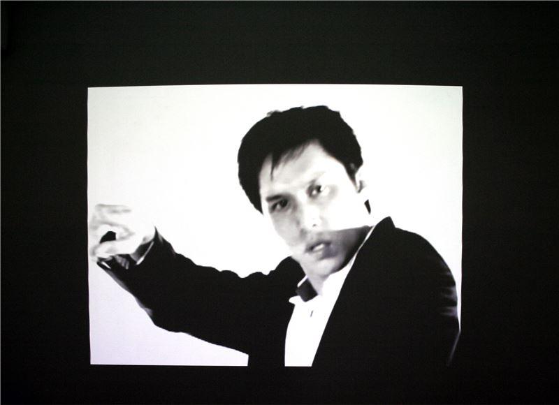 蘇匯宇〈Dance〉2006 單頻道錄像 4分鐘