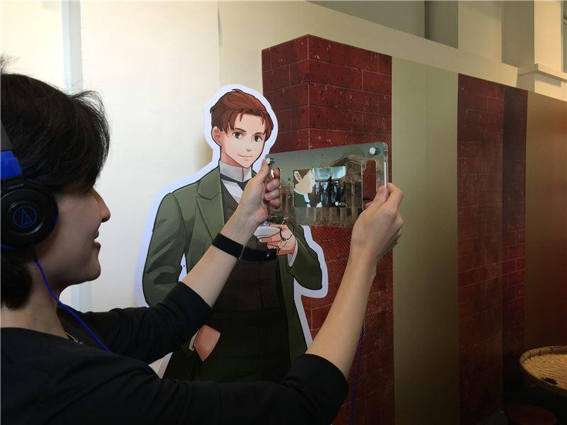 鄭部長聆聽《異人茶跡》角色訴說台灣烏龍茶飄香海外的故事。