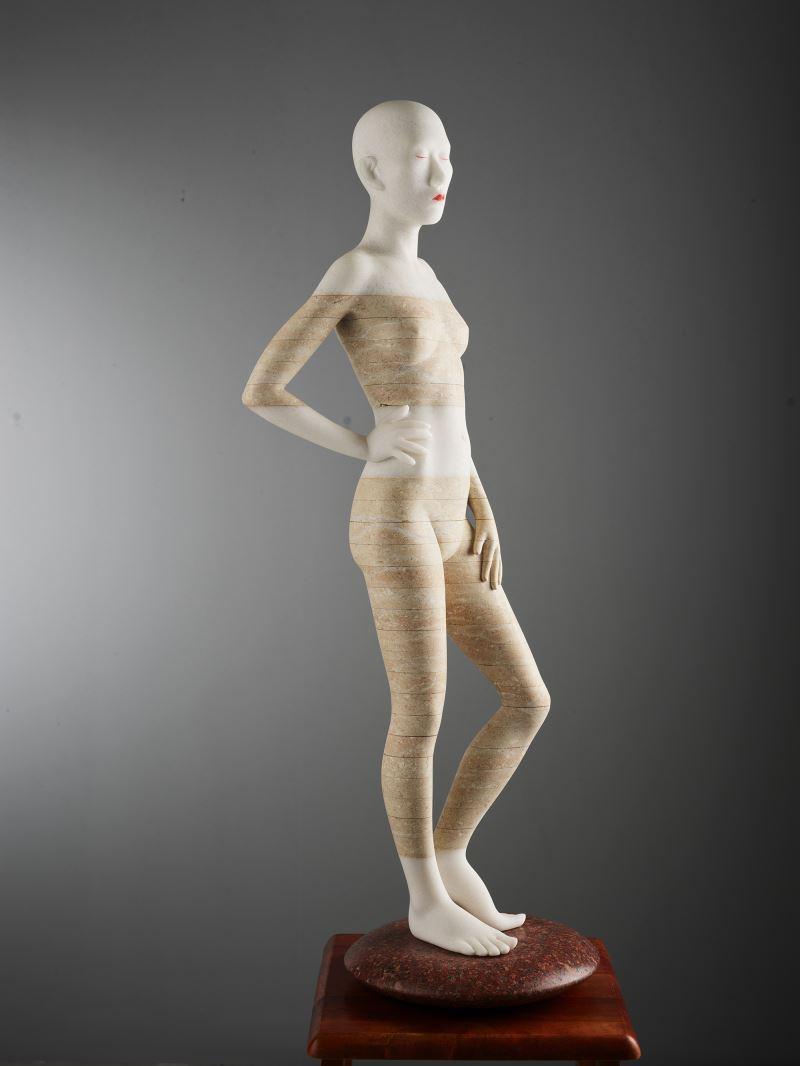 110年全國美展雕塑類金牌獎-_林宗龍〈隱諱身體-性感緊身衣〉