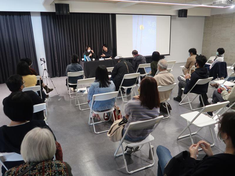 1100123光的闇影新書分享講座#人權學習中心一樓-新書分享講座現場