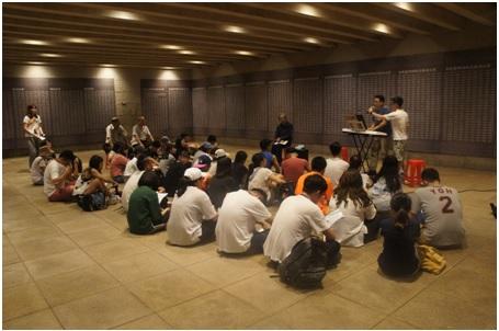 音樂工作者艾文老師和學員分享製作蔡焜霖前輩音樂專輯的經驗。