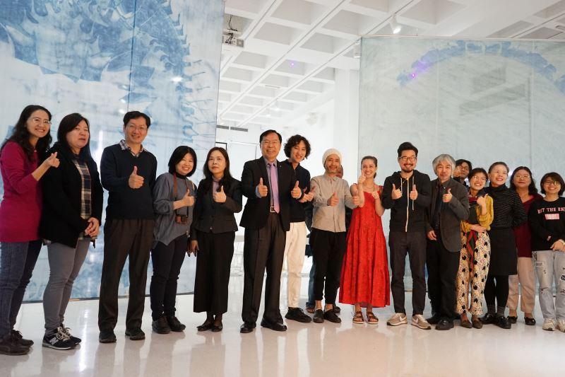 工藝中心許耿修主任(左6)與現場來賓共同合影留念