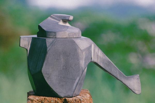 「擎天系列」中的石壺作品