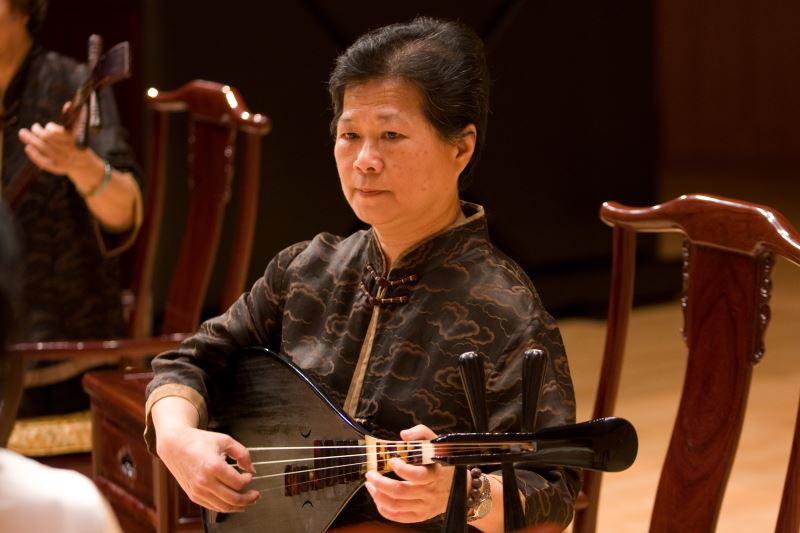 林珀姬 任職國立臺北藝術大學傳統音樂系專任教授,退休後擔任傳統音樂系研究所兼任教授;並擔任臺北華聲南樂團、詠吟樂坊、福壽宮南樂社等南管音樂教職。著有:《梅蘭芳平劇唱腔研究》、《梁訓益的平劇文場音樂》(含2CD)等
