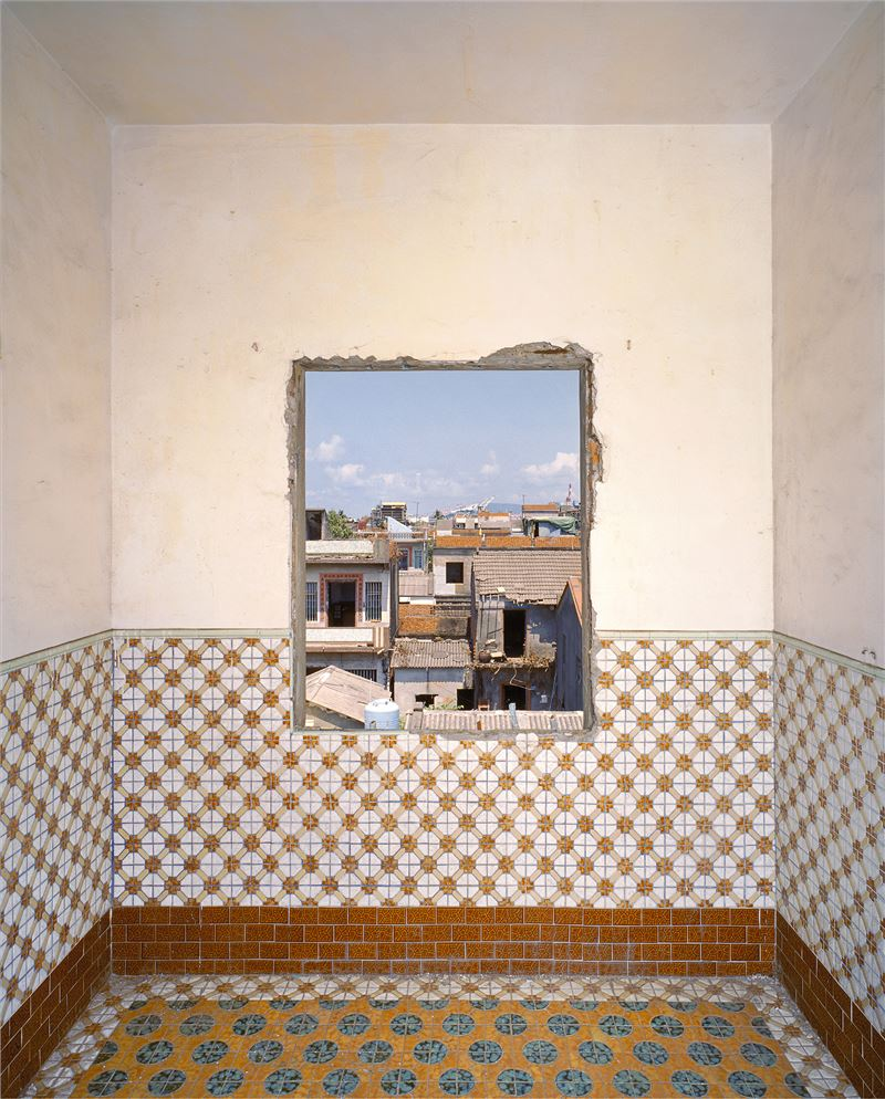 CHEN Po-I〈Outlook(No.66, Haishan 2nd Rd., Hongmaogang, Kaohsiung City, Yang Zai-Lai's house)〉2007 Lightjet C - print 96×76 cm