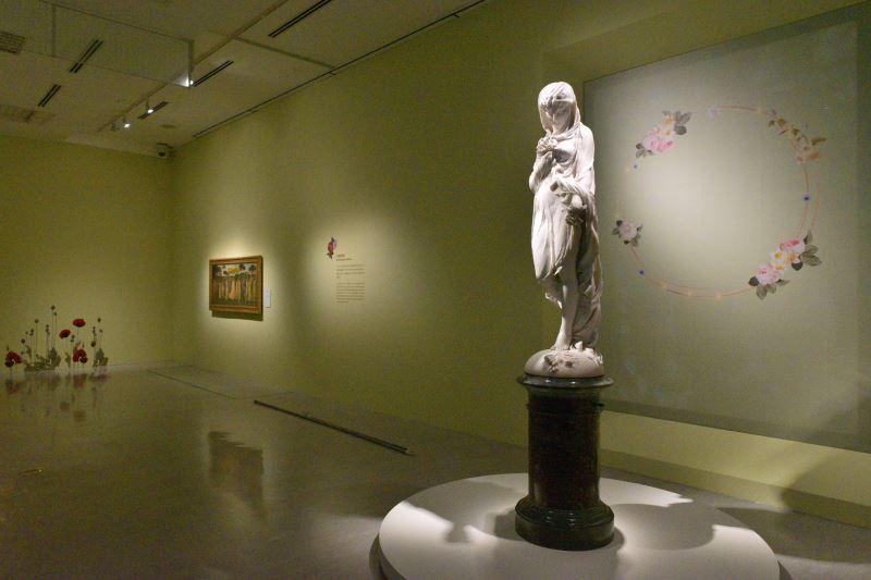 國美館23日將舉行「花之禮讚─四大美術館聯合大展」策展人座談會,圖為聯合大展之奇美博物館展場