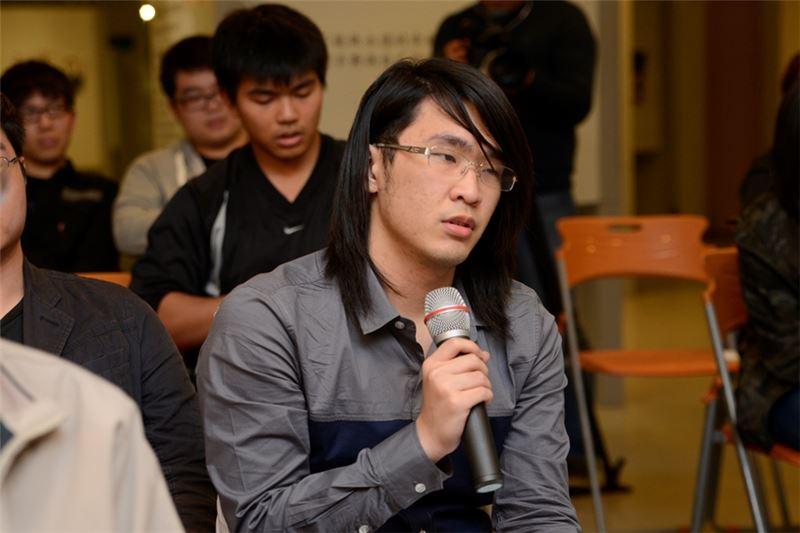 座談會吸引中國醫藥大學年輕學子參與,並現場分享心得。