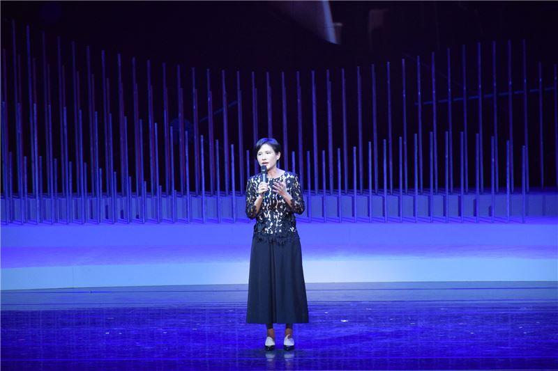鄭麗君部長鼓勵所有與會的藝術從業人員繼續為台灣傳統藝術努力