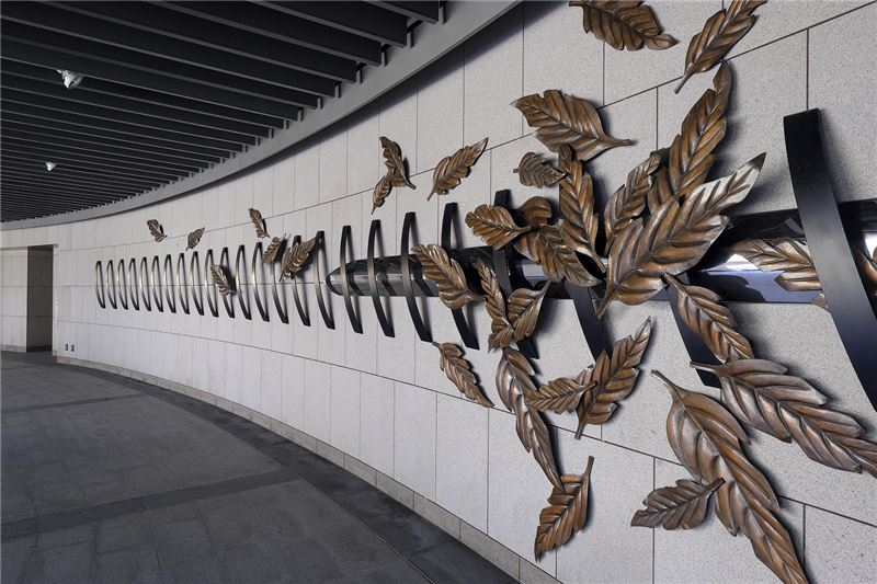 卓越獎入圍作品--秋葉旅人,創作者Yvan Mauger、達達創意股份有限公司(捷運信義線大安森林公園站公共藝術案大安 漫‧森‧活)