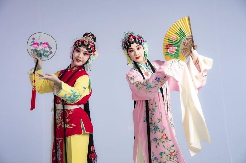 《遊園》林庭瑜飾杜麗娘,呂家男飾春香 (2)