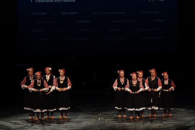 聯合國文化無形文化遺產保加利亞比斯萃薩女性耆老帶來傳統複音歌唱(國立傳統藝術中心提供)