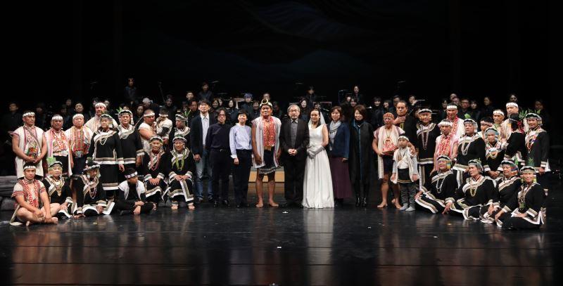 越嶺_聆聽布農的音樂故事演出人員及製作團隊合照。