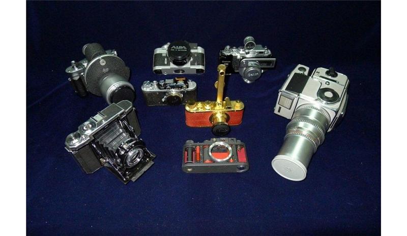 限量、紀念古典相機在彰化生活美學館展出中