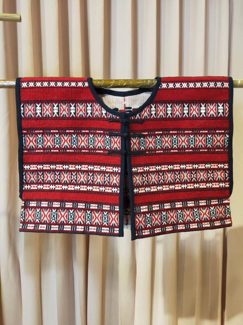 史前館典藏品-蝴蝶紋短衣之重製服飾