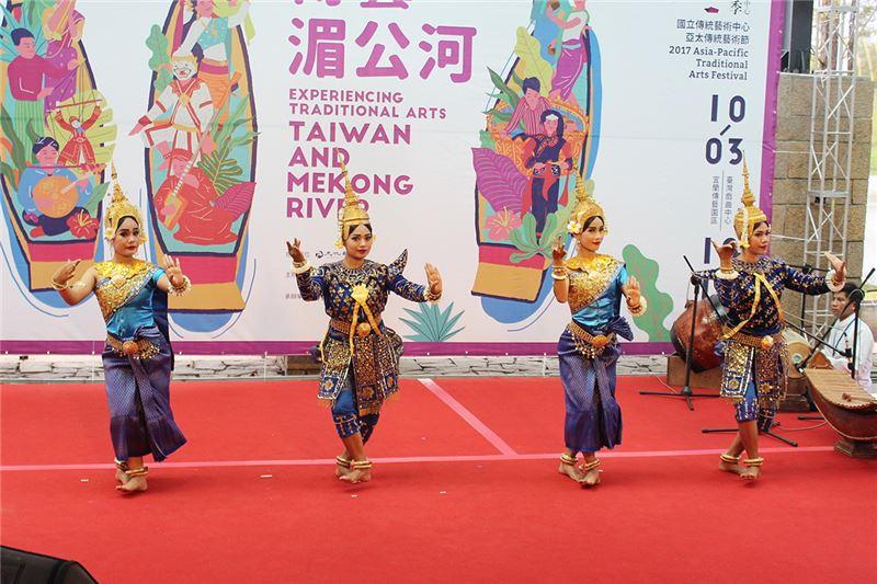 柬埔寨暹粒舞蹈團