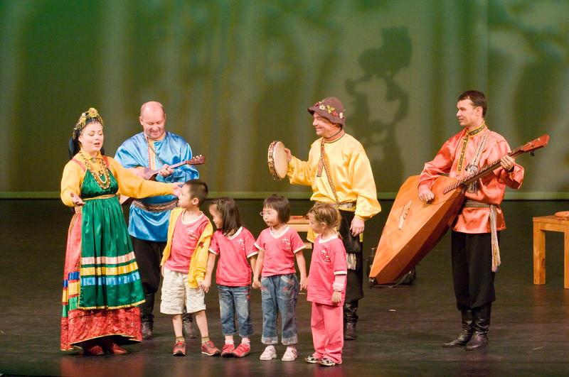俄羅斯薩巴瓦及雅庫特歐隆荷精彩的歌謠演出宛如天籟