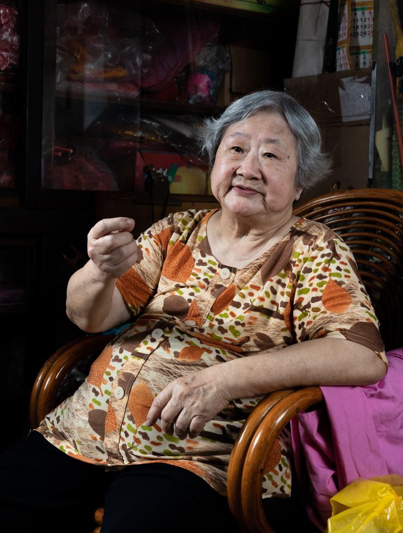 張蕭秀英與勝興刺繡莊一同見證臺灣刺繡行業的盛與衰。