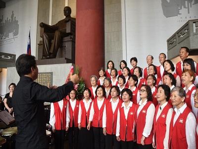 3月12日紀念國父逝世96周年國父紀念館志工合唱團。