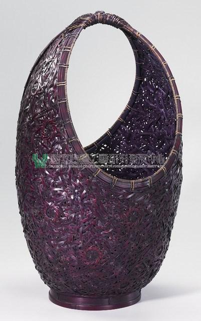 1995 | Plum blossom-patterned vessel