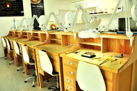 2F金工工坊-完備金工體驗設備