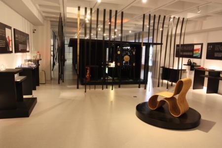 2F-Yii展區-為常設展,展出歷年邀請之設計師與工藝師研發之品牌作品