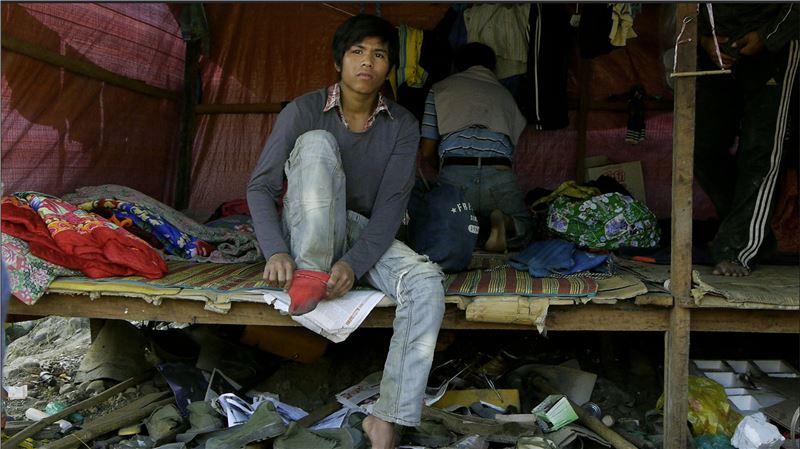 然而,卻有一群人無懼戰火,從緬甸各地爭相湧入克欽省玉礦區,