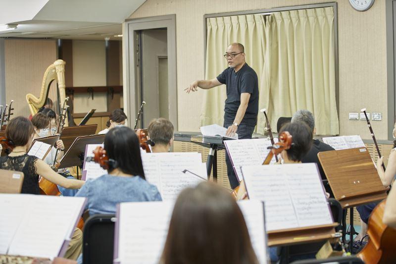 每一首曲目被正式演出前,臺北市立國樂團都得經歷1-2年的準備工作時程。