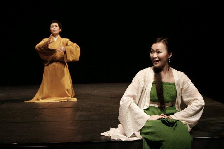 《朱文走鬼》演出照片(2006)。