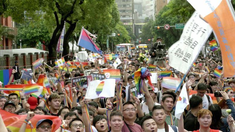 《同愛一家》由顏卲璇執導耗時三年完成,紀錄台灣在2016 年到2019 年間婚姻平權的奮鬥歷程。(圖由美國芝加哥同志影展提供)