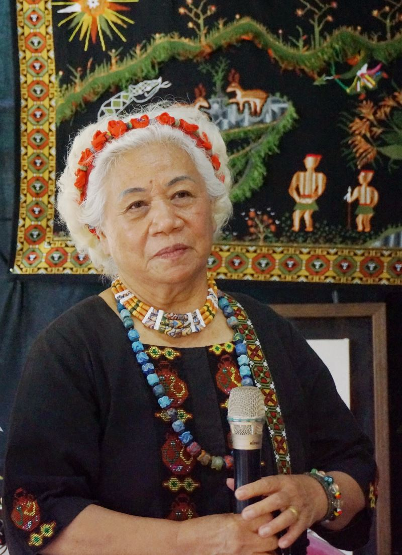 Preserver of Paiwan Embroidery, Lavaus (陳利友妹).